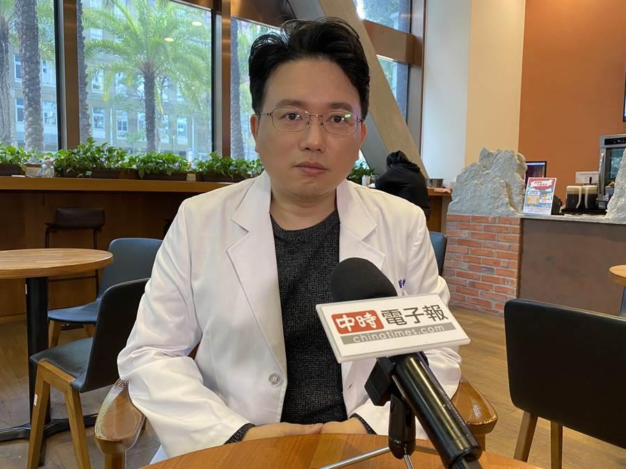 江坤俊談疫情未到高峰期(照片/孫芳柔 拍攝)