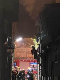 台南理髮廳2樓起火 幸無人傷亡