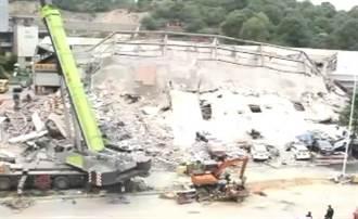 泉州酒店坍塌已有10人遇難 尚有22人失聯