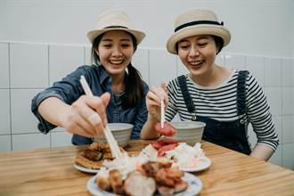 成大教授分享台灣服務業超狂 網:在國外這樣點菜要加錢