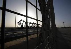 油價周一崩落30% 創1991年波灣戰爭以來最大跌幅