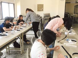 婦女節送愛 三分局女警DIY防疫面罩
