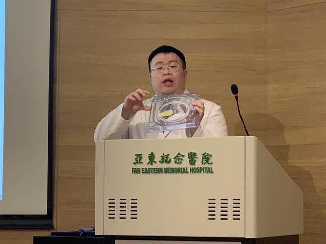 亞東醫院肝膽胃腸科醫師黃天佑指出胰臟癌很難早期發現。(王揚傑攝)