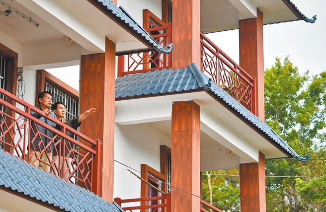 海南五指山一樓房。(新華社資料照片)