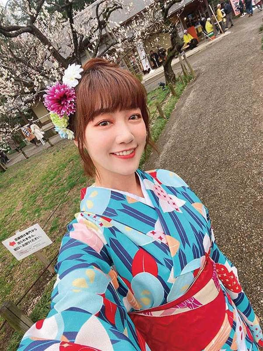 返台後泱泱大方曬出在日本的美照,外出也不怕造成他人恐慌。(圖/翻攝自泱泱臉書)