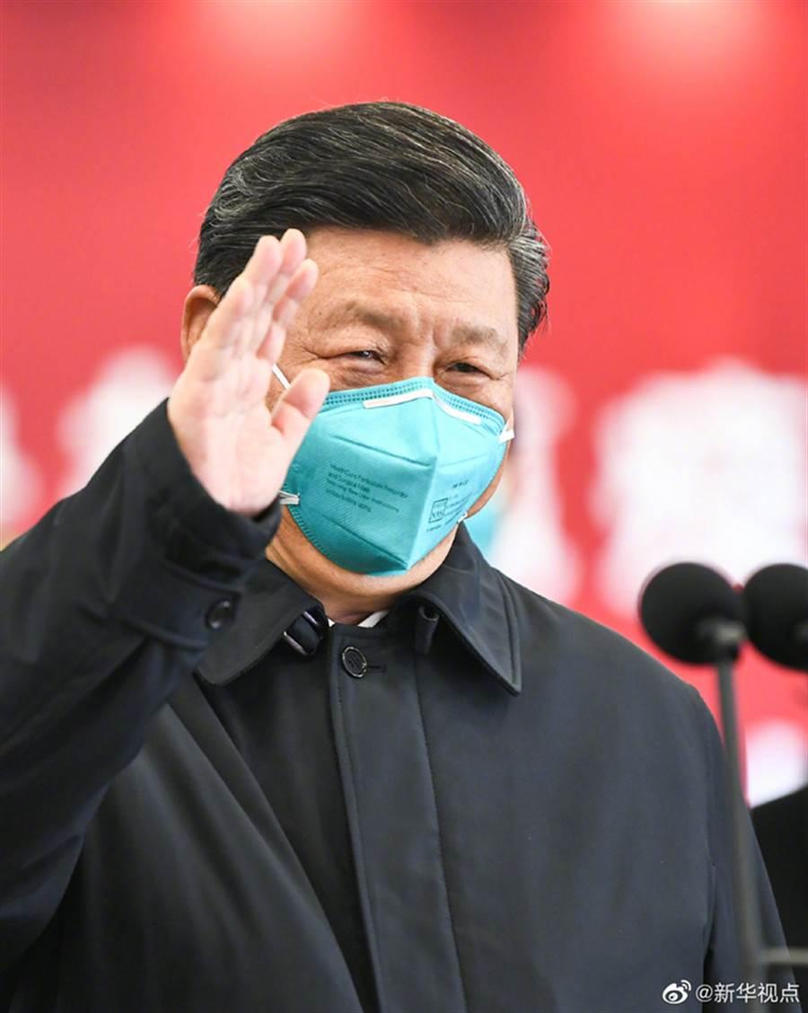 中共總書記習近平10日抵達武漢視察防疫工作。(取自中國政府網)