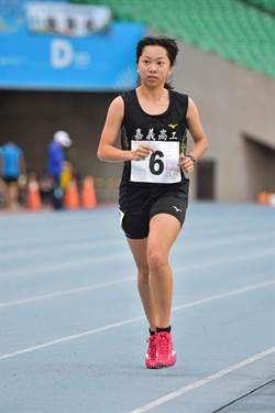 青年盃》練習不到半年 嘉工鄔心語奪高女萬米冠軍