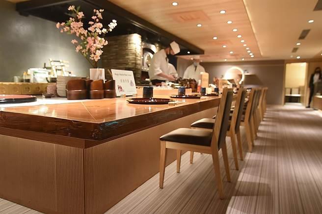 位在台北晶華酒店B3的〈樂軒和牛割烹〉,主攻板前美味和牛體驗。(圖/姚舜)
