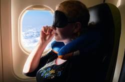 英國媽媽飛機上演活春宮 孩子在旁當觀眾