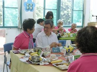 高市長照據點暫停老人共餐 改外帶便當回家吃