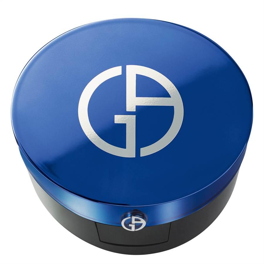 Giorgio Armani設計師全能氣墊水粉霜14g,2750元。(Giorgio Armani提供)