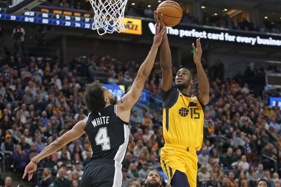 爵士替補後衛穆迪埃成為第2個確診新冠肺炎的NBA球員。(美聯社)