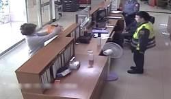婦人送口罩大喊:感謝警察辛苦付出愛你們 警眼眶濕了