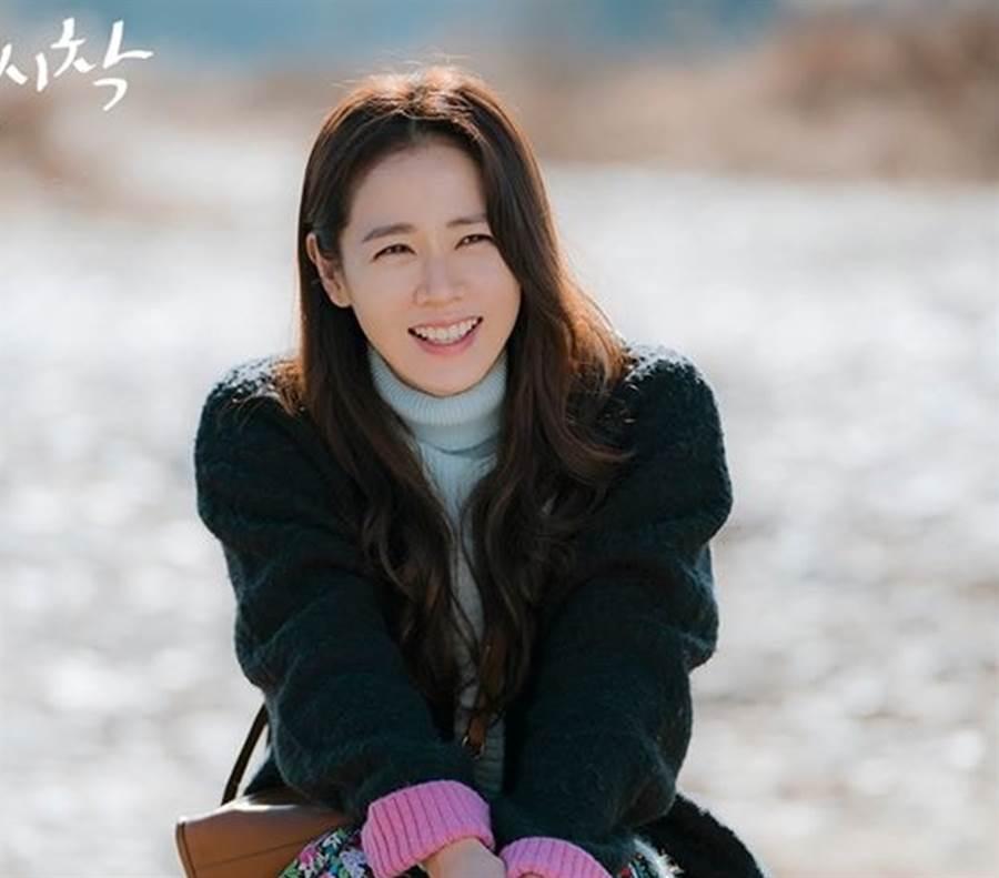 孫藝真在《愛的迫降》飾演尹世理。(圖/官方劇照)