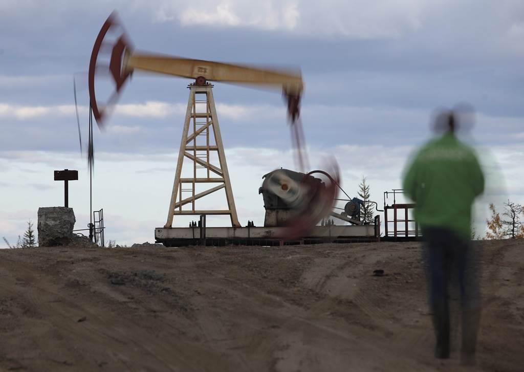 國際油價本周大跌23%,創12年來最大跌幅。(美聯社)