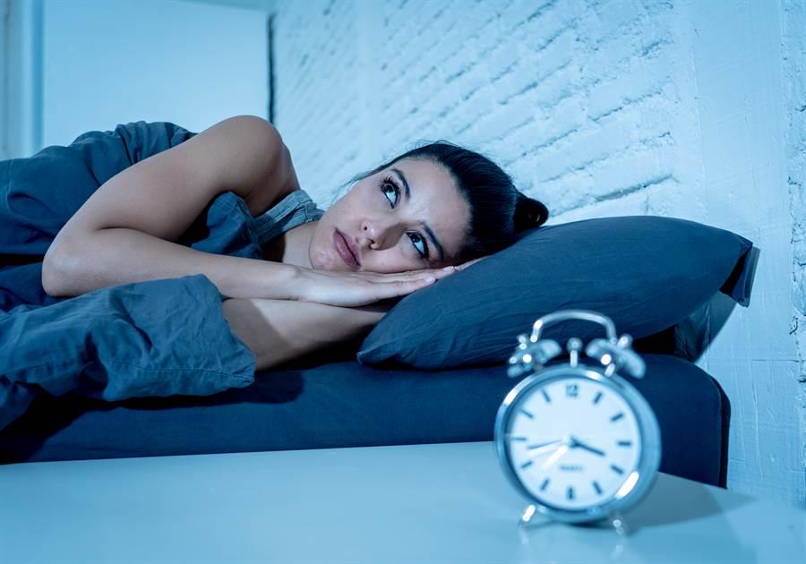 晚上睡不著怎辦?網曝超神入眠法(示意圖/達志影像)