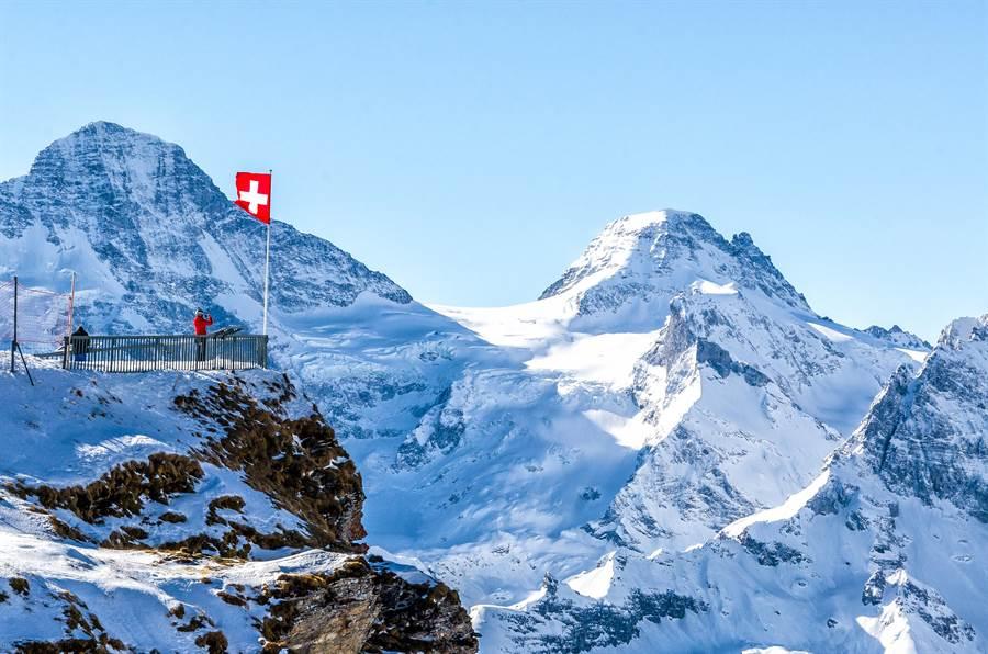 70%在瑞士的受訪者表示,瑞士擁有的自然環境比自己國家還好。(圖/Shutterstock)