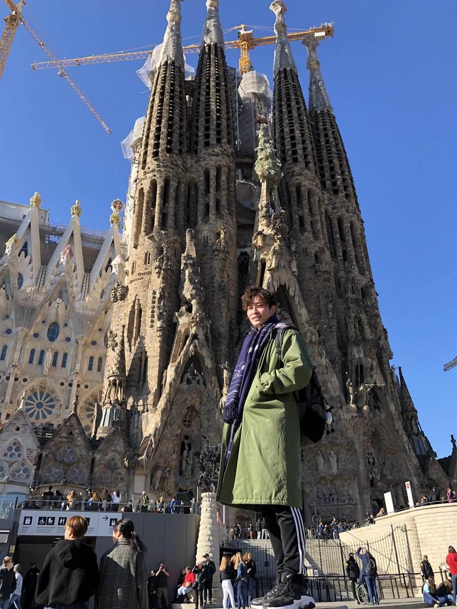 吳是閎近期跟爸媽赴歐洲旅遊。(吳是閎提供)