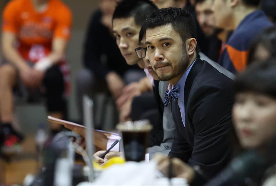璞園總教練麥班達發誓目前還沒跟賈西亞簽下合約。(中華籃協提供/黃及人新北傳真)
