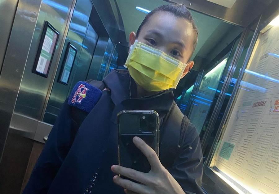 戴資穎在英國外出都戴口罩防疫。(IG翻攝)