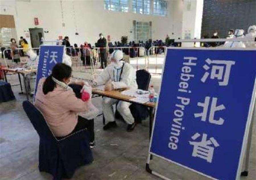 河北省駐京辦在新國展的集散攤位。(取自河北日報)