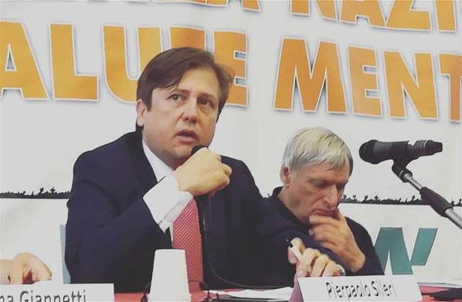 義大利衛生部副部長希列里(Pierpaolo Sileri)確診新冠肺炎。(圖/擷自Pierpaolo Sileri臉書)