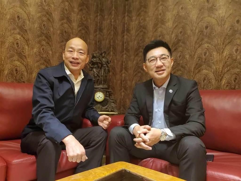 高雄市長韓國瑜(左)與國民黨主席江啟臣(右)15日會面。(高市新聞局提供/林瑞益高雄傳真)