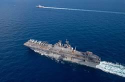 美國突擊艦南海演訓 起降F-35戰機