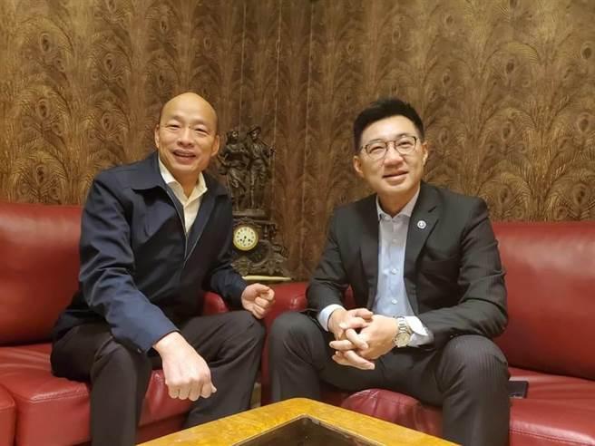 高雄市長韓國瑜(左)、國民黨主席江啟臣(右)。