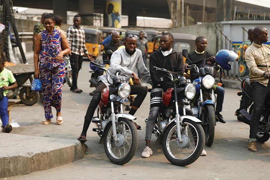 非洲大城禁摩托計程車圖╱路透