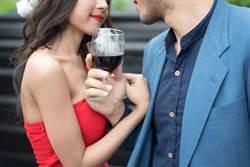同事是男友的前女友!春酒刻意穿「特殊禮服」