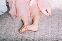 1歲女睡前突喊外婆 媽一聽驚呆了