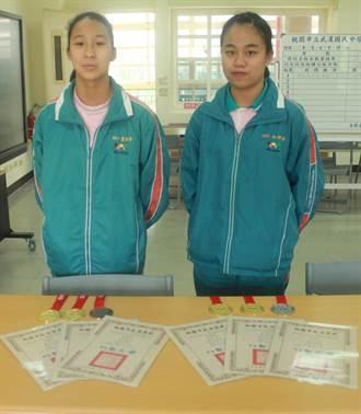 龍潭武漢國中2蝶泳女將 打破4項大會紀錄