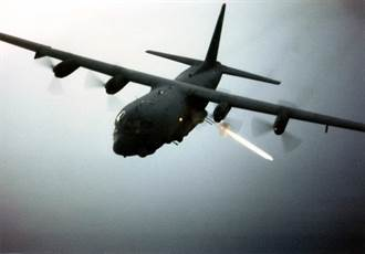 AC-130W砲艇機 測試反水面任務