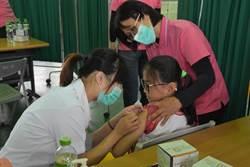 牽制最兇女人病 彰縣4900女學生接種子宮頸癌疫苗
