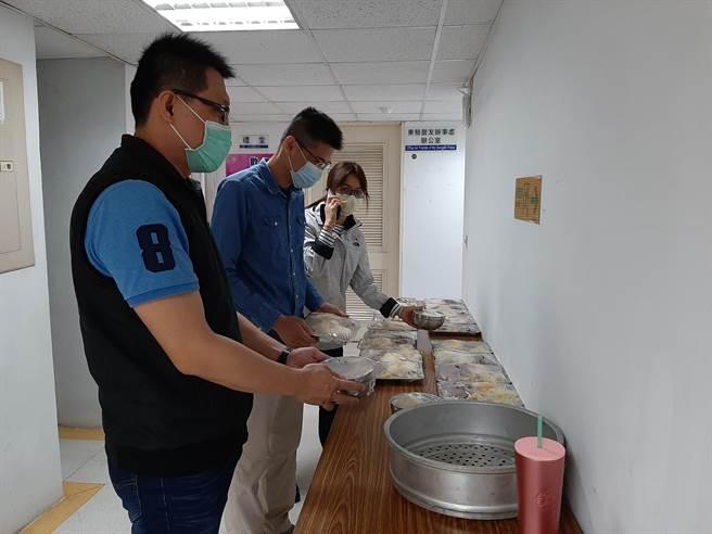 東勢警分局祭出4種防疫殺手鐧,圖為伙食分流。(東勢警分局提供/陳淑娥台中傳真)