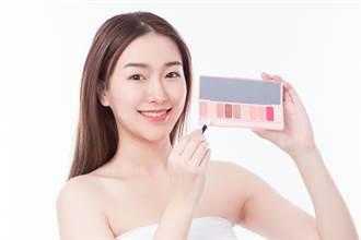 亞洲人眼型這樣畫!專業彩妝師曝「眼影3秘訣」手殘必學
