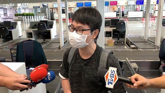 25歲留學生許耀圓因申請到教育協會獎學金,決定如期赴日本讀書。(柯宗緯攝)