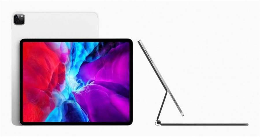 蘋果在官網發布最新iPad Pro平板,有11吋和12.9吋兩種螢幕版本,售價25,900元起,將於近期上市。(圖/蘋果提供)