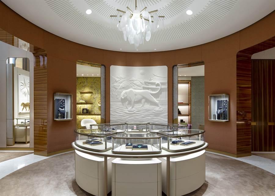 巴黎設計團隊Sofrastyl專為卡地亞台中店訂製的美洲豹浮雕牆面。(Cartier提供)