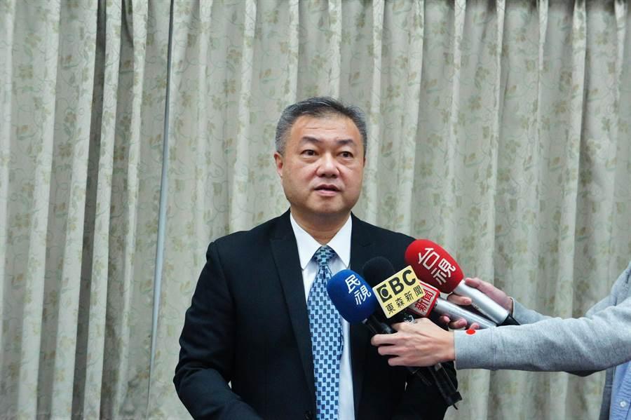 台灣高檢署書記官長吳怡明表示,到埃及旅遊的檢察官返台並沒有身體不適。(張孝義攝)