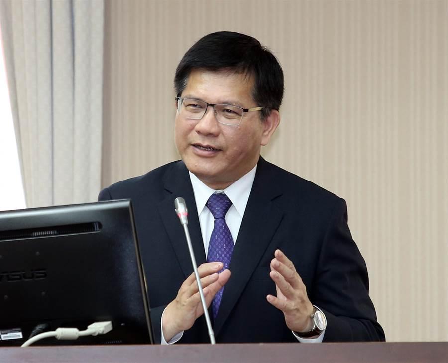 交通部長林佳龍19日赴立法院備詢。(姚志平攝)