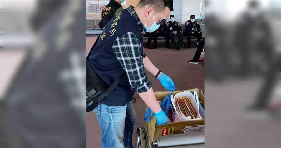 中央疫情指揮中心公布,3月5日到3月14日經相關區域入境的人員都要進行居家檢疫,其中刑事局11名國際刑警到歐洲押解詐欺犯,返台後進行14天隔離。(圖/刑事局提供)