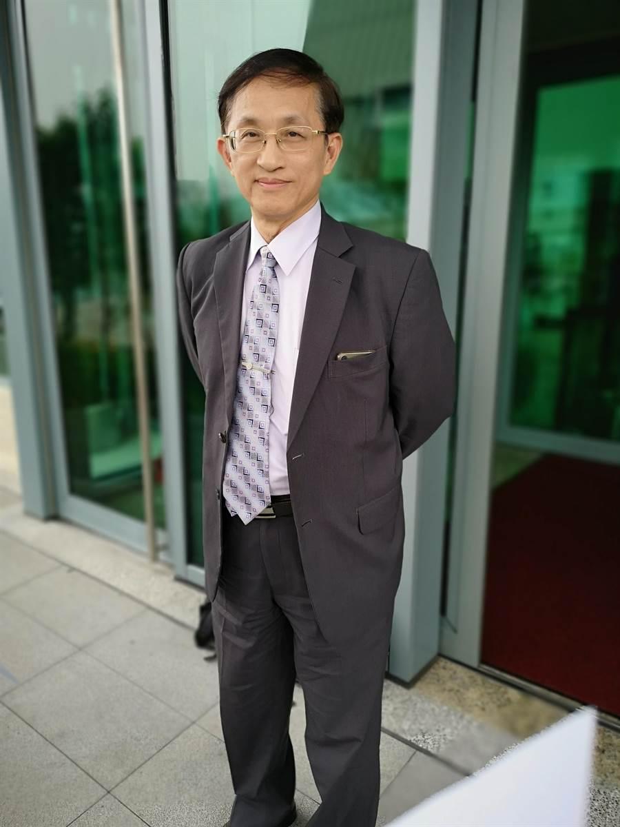 同為台大校長候選人的教授吳瑞北今至台北高等行政法院開庭。(黃捷攝)