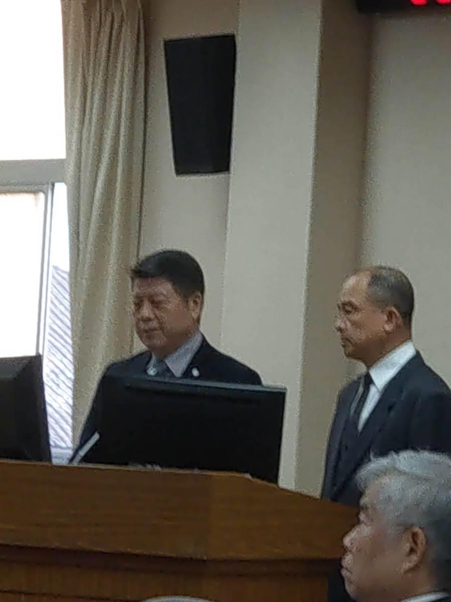 國防部副部長張平(左)在立院備詢。呂昭隆攝