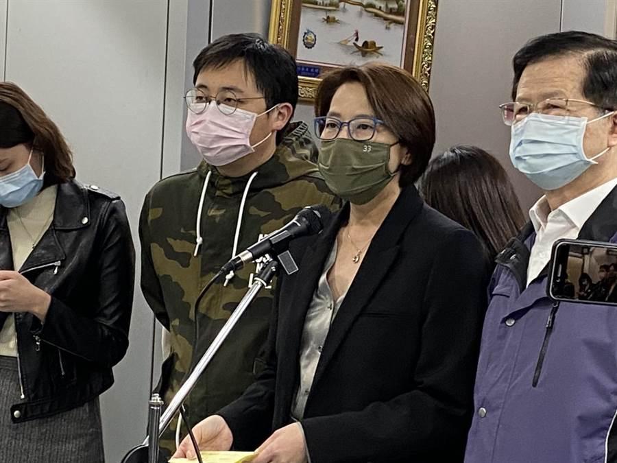 北市副市長黃珊珊19日宣布,將補助「居家檢疫者家人」,只要住滿14天就會給予7千補助。(游念育攝)