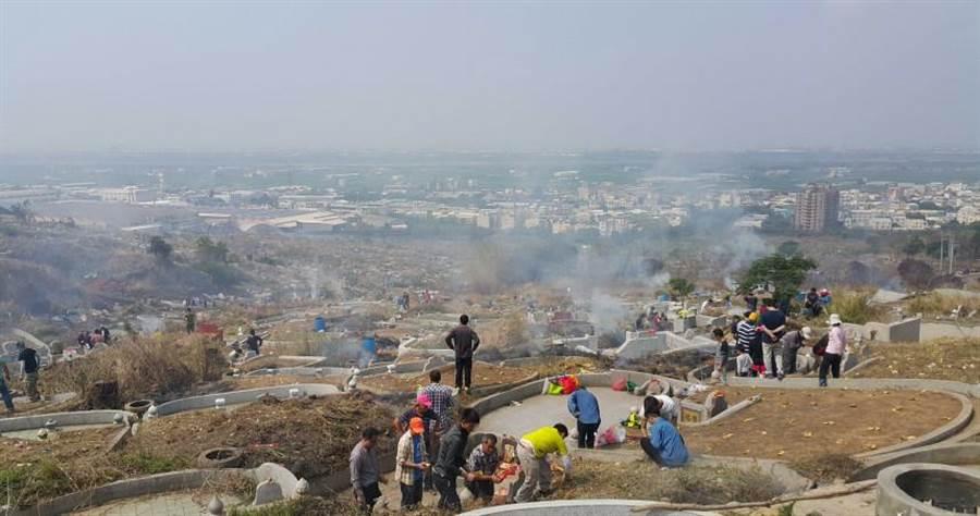 廣州市民政局宣布為積極防疲,今年暫停清明節祭掃相關活動。(圖/網台中市府)