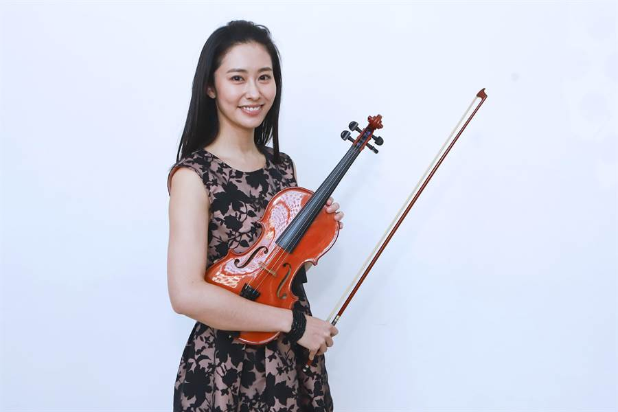 新人張郁婕加入《多情城市》,本色演出音樂家。(民視提供)