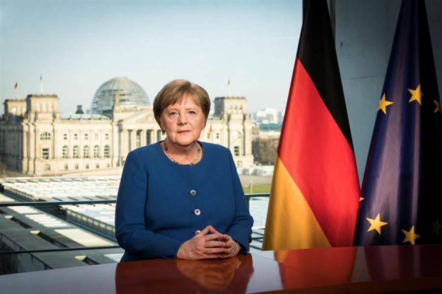 德國總理梅克爾史無前例發表電視談話,指新冠疫情是德國二戰以來面臨的最嚴峻危機。(路透)