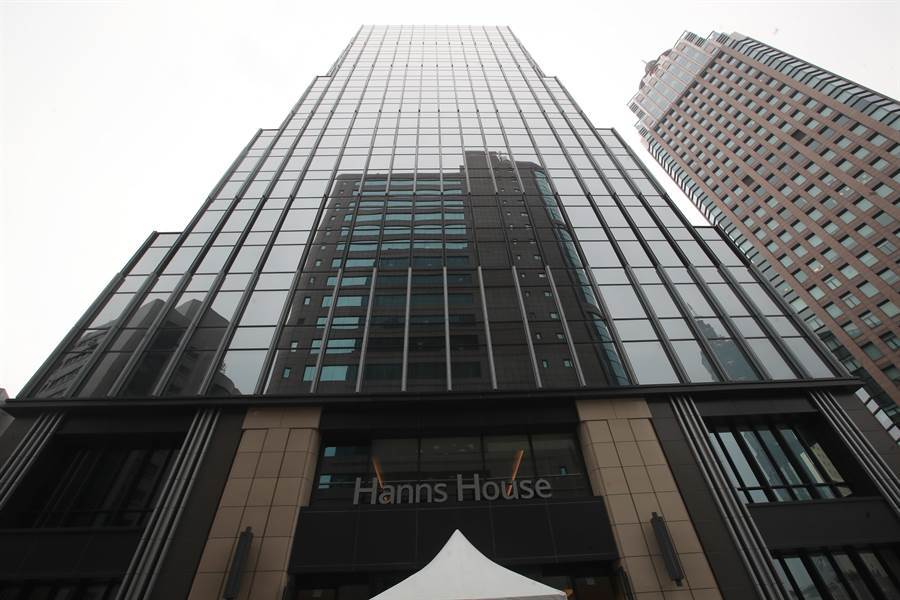北市府與白石集團瀚寓酒店19日宣布合作,推出北市第3家防疫旅館;原防疫旅館房間數自78間大幅躍昇至178間。(鄭任南攝)